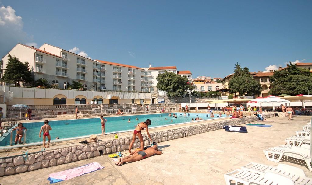 Hotel lisanj pla a basen 1 for Hotel design ligurie