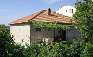 Apartament Milojka dom i otoczenie 08